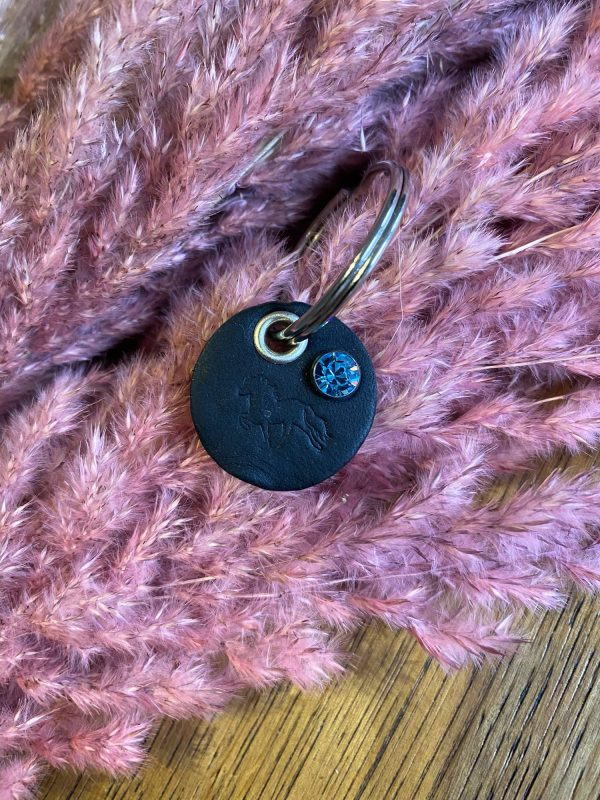 Melasól Schlüsselanhänger mit Tölter und Strassniete